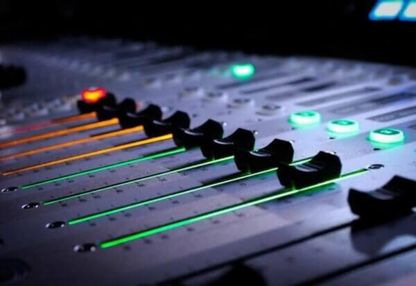 Как усилить звук наушников на ПК
