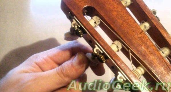 Настройка 6 струнной гитары, настройка гитары тюнером, ноты для настройки гитары